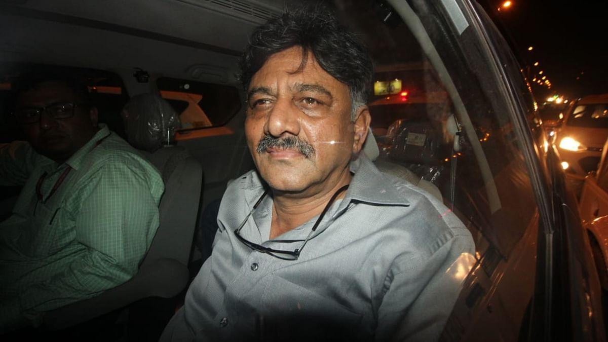 شیو کمار کو 10 دن کی ای ڈی حراست، گرفتاری کو راہل گاندھی نے بتایا انتقامی سیاست