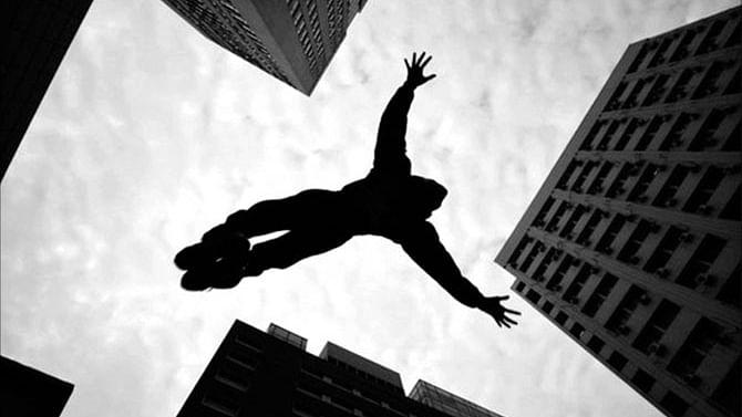اہم خبریں: نوئیڈا سیکٹر 78 میں 19 ویں منزل سے خاتون نے لگائی چھلانگ