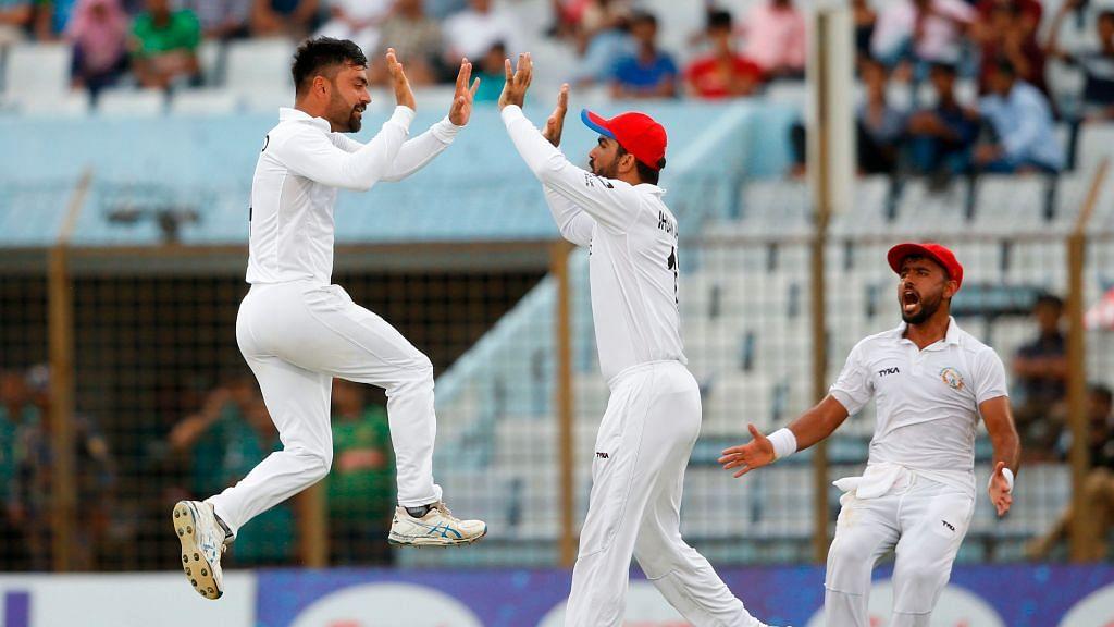بنگلہ دیش پر فتح کے ساتھ ہی راشد خان کے سَر سجا کم عمر ٹسٹ فاتح کپتان کا تاج