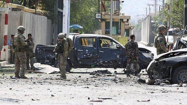 افغانستان  میں خونریزی کا سلسلہ جاری، تازہ کار بم دھماکہ میں  12 ہلاک، درجنوں زخمی