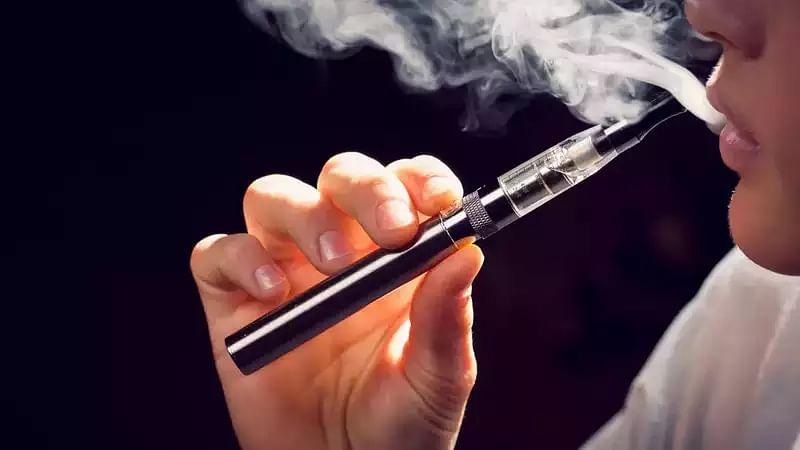 ای سگریٹ اور ا ی حقہ پر مکمل پابندی، خلاف ورزی کرنے پر پانچ لاکھ تک کا جرمانہ
