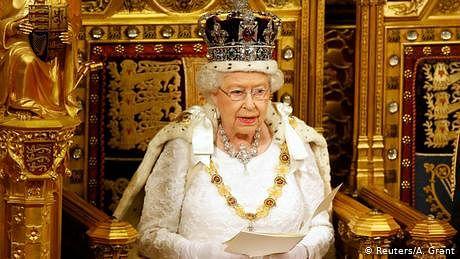 'نو ڈیل بریگزٹ' اب ناممکن، ملکہ نے نیا قانون منظور کر لیا