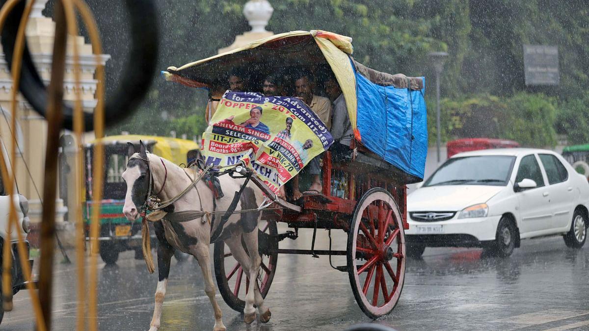 اتر پردیش میں 2  دنوں سے بھاری بارش کا سلسلہ جاری، 20 افراد کی موت