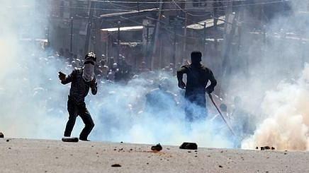 اہم خبر: جموں و کشمیر میں 2 دہشت گردوں کی اندھا دھند فائرنگ میں ٹرک ڈرائیور ہلاک
