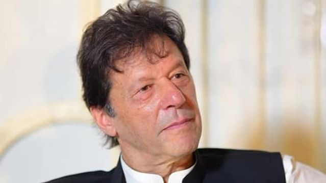 پاکستان: عمران خان کی حکومت خطرے میں، فوج ہوگی قابض؟