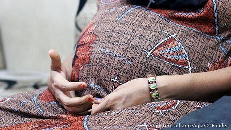 حاملہ خواتین تذلیل آمیز رویے کا شکار