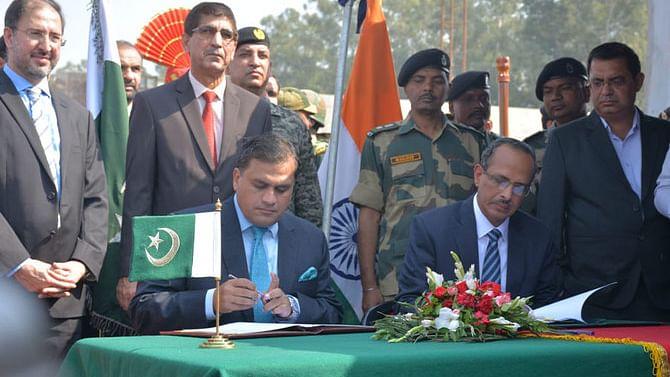 کرتارپور معاہدے پر دستخط: پاکستان، عقیدت مندوں سے فیس وصولنے پر بضد