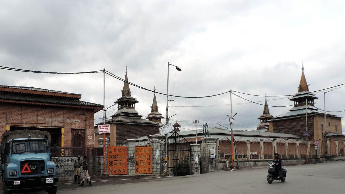 'سری نگر کی جامع مسجد میں تراویح اور دیگر نمازیں فی الحال ادا نہیں کی جائیں گی'