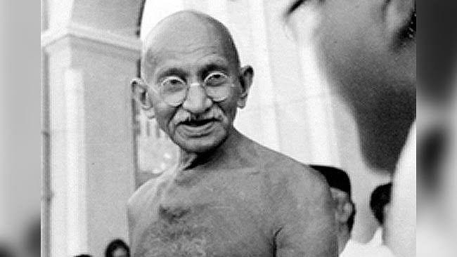 گاندھی کا 'ہے رام'،  'جے شری رام' نہیں تھا: نوجوان مصنفین