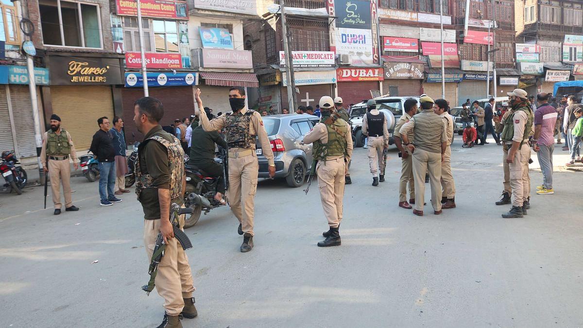 کشمیر میں مواصلاتی پابندی، اہلیان کشمیر پر قہر سامانیوں کی داستان