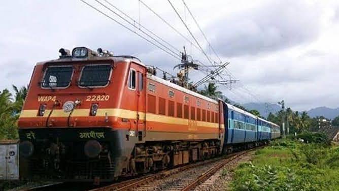 عوامی کرفیو: ریلوے نے 4000 سے زیادہ ٹرینیں اور کیٹرنگ بند کرنے کا لیا فیصلہ