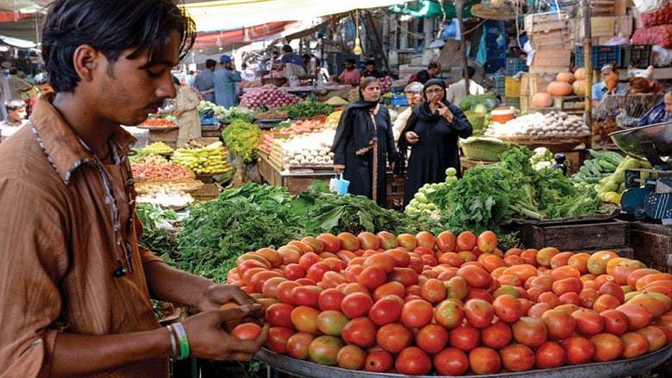پاکستان میں سبزیوں کی بڑھتی قیمت سے عوام پریشان، ٹماٹر پہنچا 400 روپے فی کلو