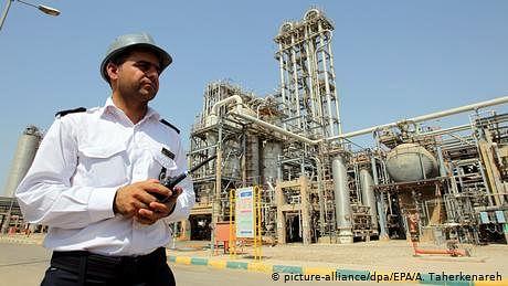 تیل کے نئے ذخائر ایرانی عوام کے لیے ایک تحفہ :صدر روحانی