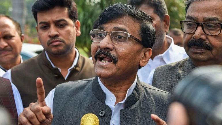 اجیت پوار نے مہاراشٹر کے عوام سے دھوکہ کیا: سنجے راؤت