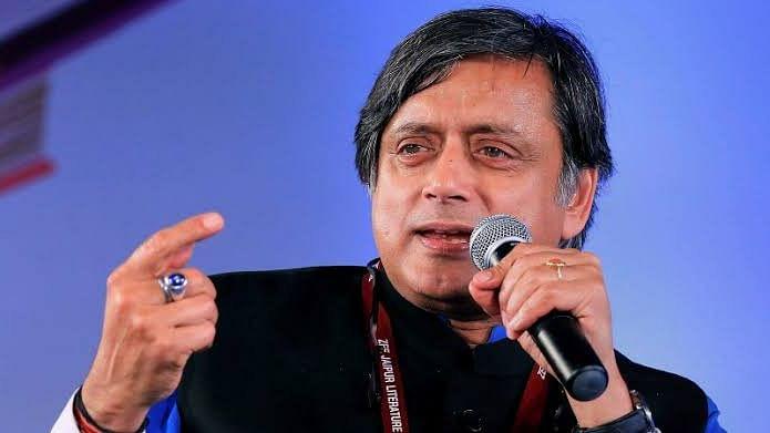 سی اے اے کے خلاف لڑائی ہندو بنام مسلم نہیں ہے: ششی تھرورو