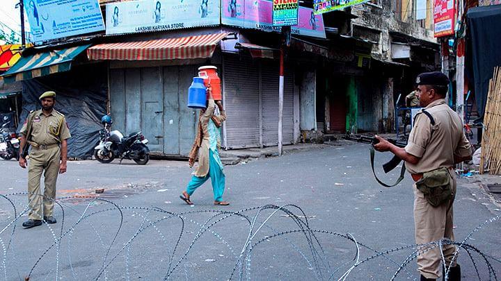 کشمیر میں غیر یقینی صورتحال کا 120 واں دن، تجارتی سرگرمیاں عروج پر نظر آئیں