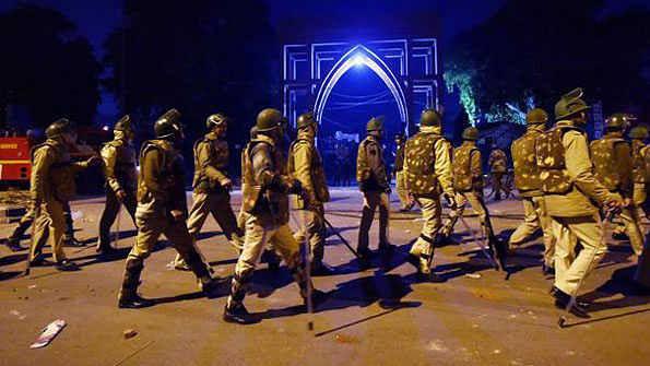 سیلم پور اور جعفرآباد میں حالات معمول پر، رات خوف میں گزری