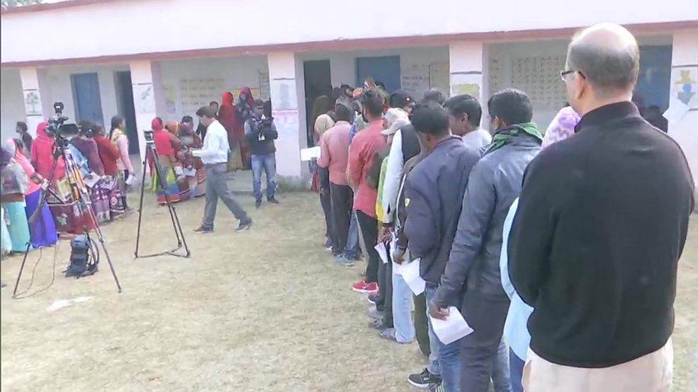 جھارکھنڈ اسمبلی انتخاب: تیسرے مرحلہ میں 17 نشستوں پر ووٹنگ جاری