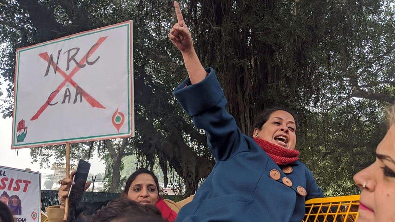 بھارت: مظاہروں کا سلسلہ جاری، ہلاکتوں کی تعداد 13 ہو گئی
