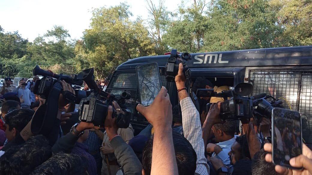 اہم خبریں: احمدآباد پولس نے مزید 15 افراد کو گرفتار کیا