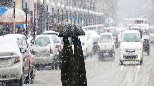 کشمیر: بھاری برف باری کی پیش گوئی کے بیچ چلہ کلان فی الوقت خشک