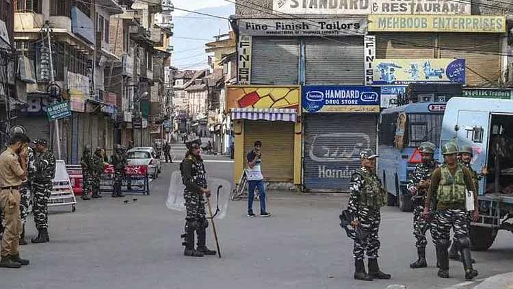 کشمیر: صرف BSNL کی ایس ایم ایس سروس بحال، نجی کمپنیوں کے صارفین میں غصے کی لہر