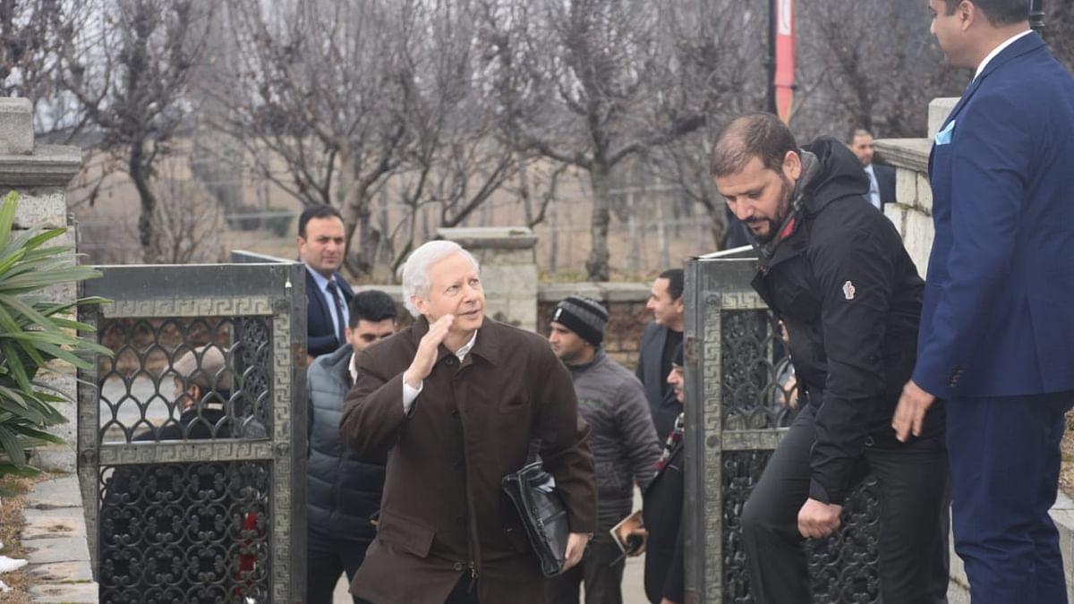 غیر ملکی سفارتکاروں کا سخت سیکورٹی کے سایہ میں کشمیر دورہ