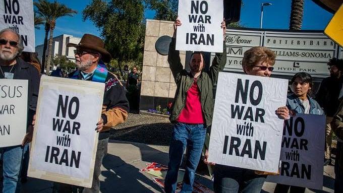 سینکڑوں امریکی عوام نے سڑک پر اتر کر ایران کے ساتھ جنگ نہ کرنے کا کیا مطالبہ
