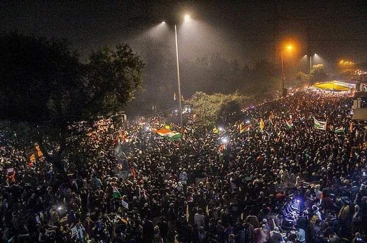 شاہین باغ خاتون مظاہرہ: سرد راتوں میں سڑک پر احتجاج جاری، پولیس کی اپیل بے اثر
