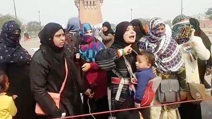 بچوں کے نام پر گھنٹہ گھر کے احتجاج کو ختم کرنے کی سازش!