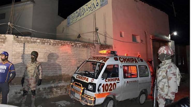 عمران خان نے کوئٹہ مسجد پر حملے کی فوری رپورٹ طلب کی
