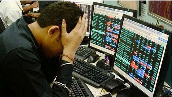 شیئر بازار میں ہڑکمپ، کچھ ہی منٹوں میں ڈوبے چار لاکھ کروڑ روپے