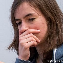 مرد کسی عورت کو عریاں تصاویر کیوں بھیجتے ہیں؟
