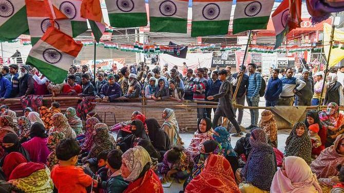 مودی-شاہ شاہین باغ کے نام پر ووٹوں کی صف بندی کرنے میں مصروف: خاتون مظاہرین