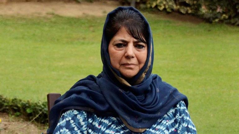'خواتین سے خوف کھاتی ہے مودی حکومت' عمر رہا، محبوبہ ہنوز نظر بند