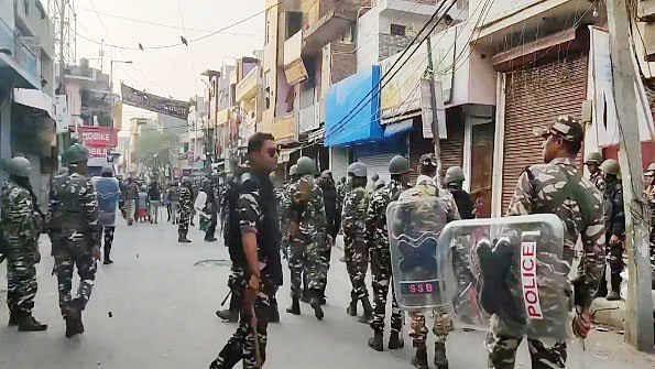 دہلی تشدد LIVE: دہلی فسادات کی تحقیقات کرائم برانچ کرے گی، ہلاکتوں کی تعداد 38 ہوئی