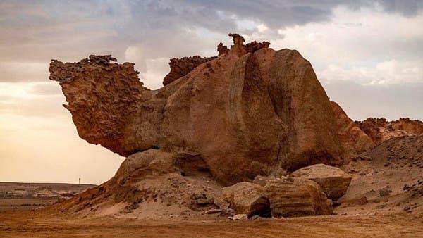 سعودی عرب میں 'اُونٹ والی چٹان' سیاحت کے نقشے میں ایک قدرتی فن پارہ