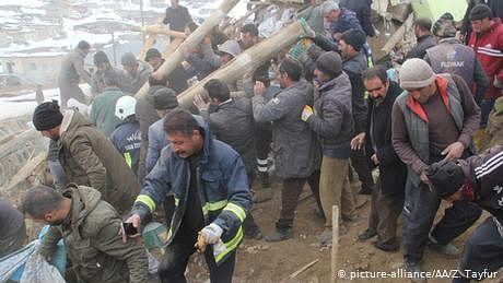 ترکی میں زلزلے کے سبب  7 ہلاکتیں