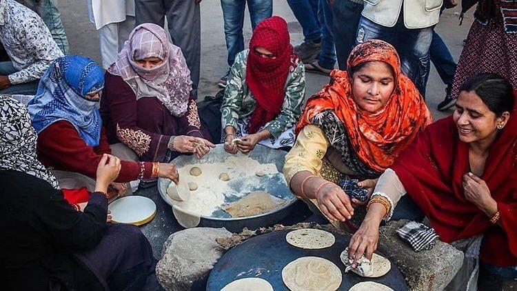 'شاہین باغ رسوئی' کا افتتاح، خواتین نے خدمت خلق کے میدان میں رکھا قدم