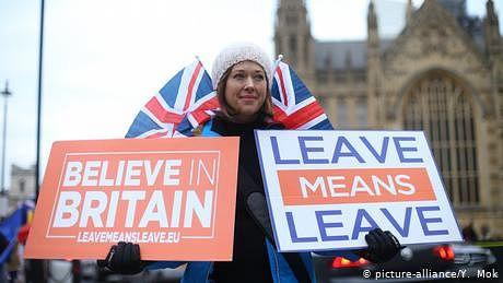 بریگزٹ: غیرملکیوں کے خلاف نسل پرستانہ خط، 'صرف انگریزی بولو'