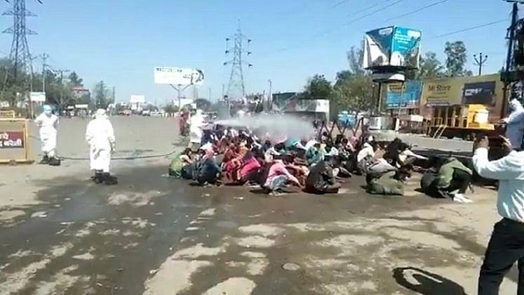 یوگی حکومت دوسرے شہروں سے گاؤں واپس لوٹے مزدوروں کی بنی دشمن... ویڈیو