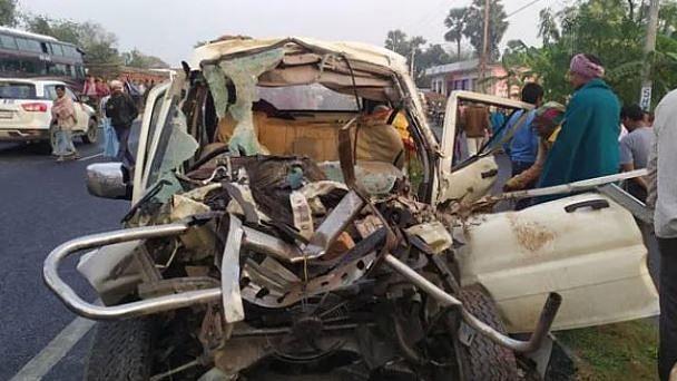 بہار: مظفر پور میں کار اور ٹریکٹر کے درمیان شدید ٹکر، 12 افراد ہلاک، کئی زخمی