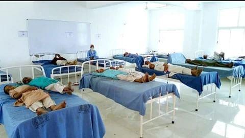 کورونا وائرس: کولکاتا کی 'ناخدا مسجد' کا صدر دروازہ بند