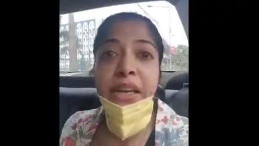 کورونا وائرس: سوشل ڈسٹنسنگ کے نام پر ظلم، انڈیگو ملازمہ نے سنائی درد بھری داستان