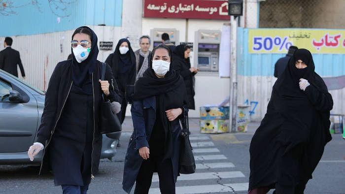 ایران میں بحث: 'کورونا وائرس کا مقابلہ مذہب سے کریں یا سائنس سے؟'