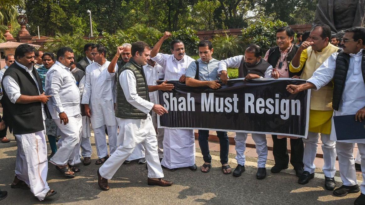 دہلی تشدد پر ہنگامہ: کانگریس کے سات اراکین لوک سبھا سے معطل