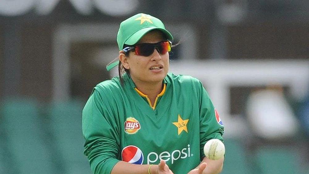 پاکستان کی سابق کرکٹ کپتان 'ثنا میر' نے کیا ریٹائرمنٹ کا اعلان