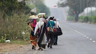 لاک ڈاؤن: دہلی سے گھر کے لیے پیدل نکلے 3 مزدور پہنچے موت کی آغوش میں