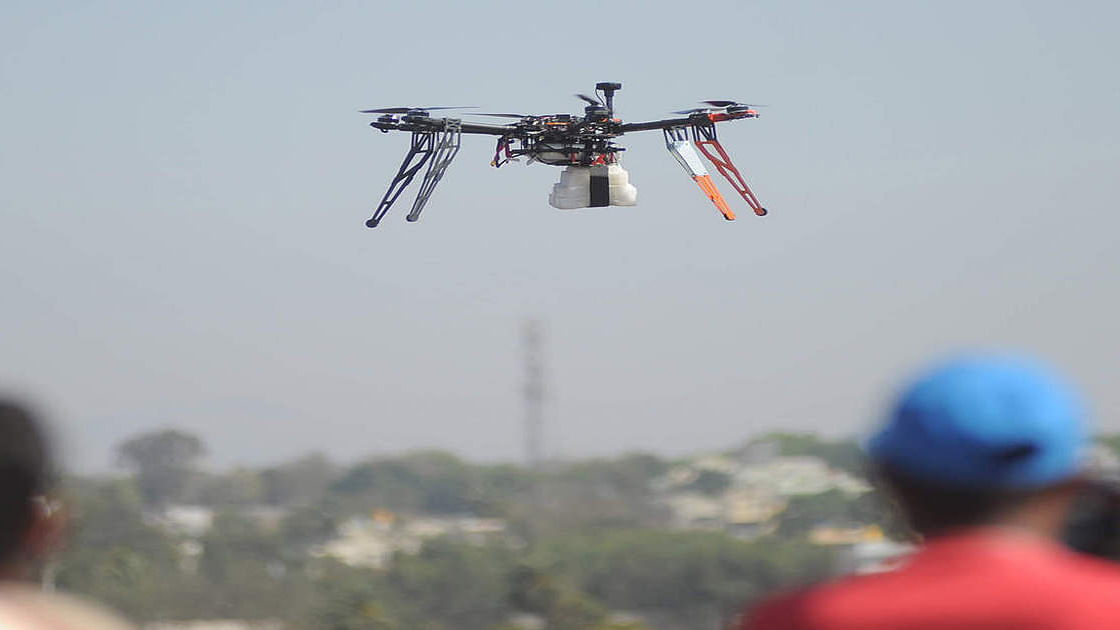 کورونا 'ہاٹ اسپاٹ' کی نگرانی کر رہا ڈرون لاپتہ! تلاش کرنے میں لگے دوسرے ڈرون