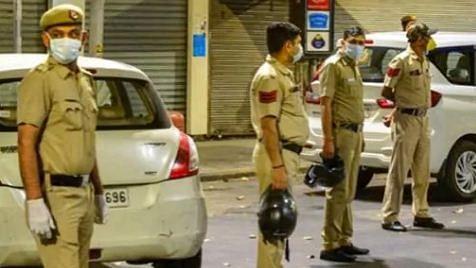 دہلی: 24 گھنٹے کے اندر کورونا کی زد میں آئے دو پولس جوان، لوگوں میں خوف